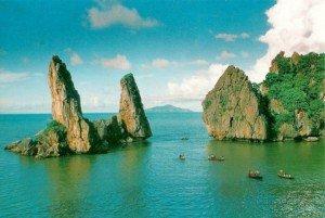 Les Rochers de père et de fils ou Hon Phu Tu
