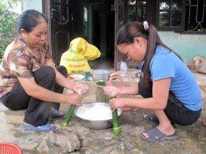 Preparez le spécialité Com lam des Muong