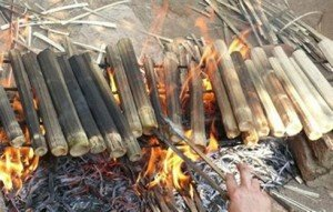 Spécialité Com lam des Muong au feu