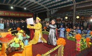 La fête du Temple Trân (dédiée aux rois Trân) dans le district de Hung Hà, province de Thái Binh,