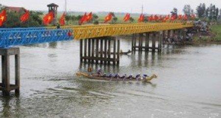 Le pont de Hiên Luong dans la province de Quang Tri