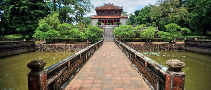 la ville Hue - mausolee de Minh Mang
