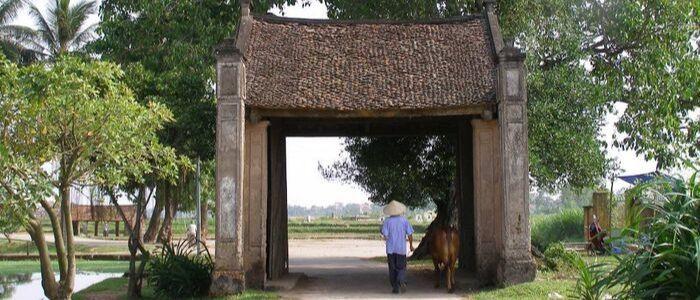 Le village traditionnel Đường Lâm