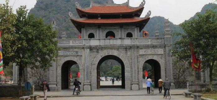 La porte de Hoa Lu Ninh Binh