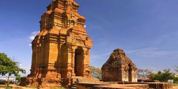 Tour Poshanu Mui Ne