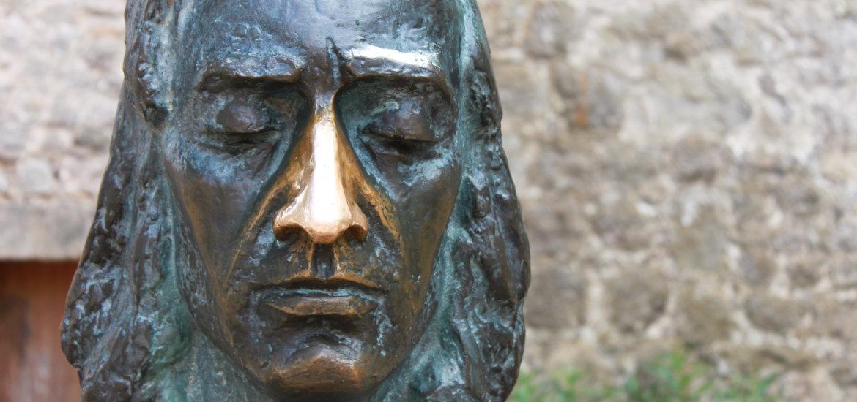 Rzeźba sławnego kompozytora - Fryderyka Chopina.