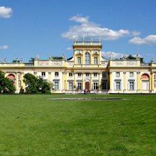 Poznaj historie związane z wilanowskim pałacem, przybliży je Ci Małgorzata Stróżyk, przewodnik po Warszawie.