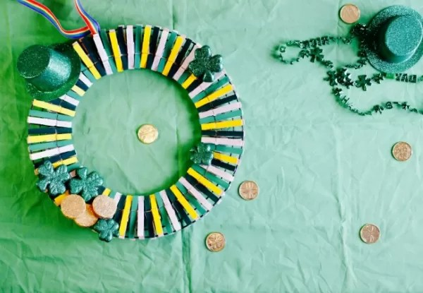 Diy Deck Drawer Clothespin Wreath: 23 Interesting Tutorials | Guide Patterns