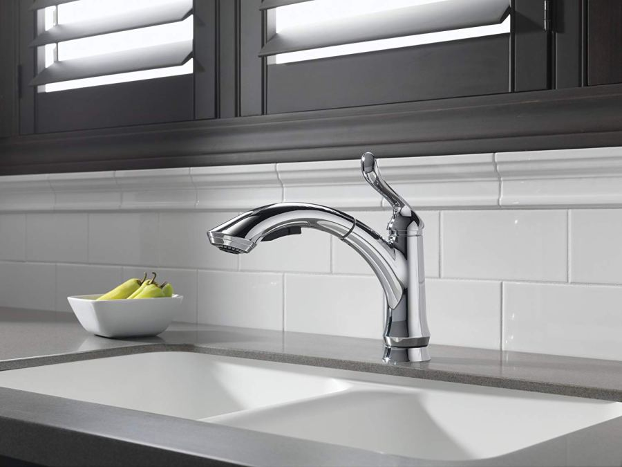 Delta Faucet Linden Single-Handle Kitchen Sink Faucet with Pull Out Sprayer, Chrome 4353-DST