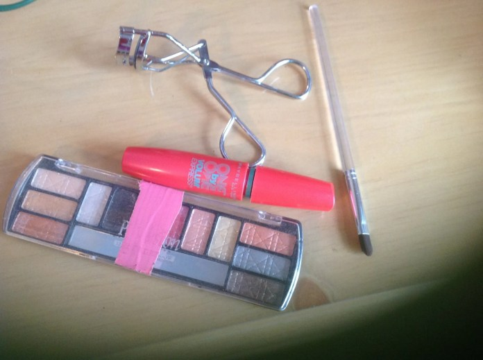How To Put On Back To School Makeup On B C Guides