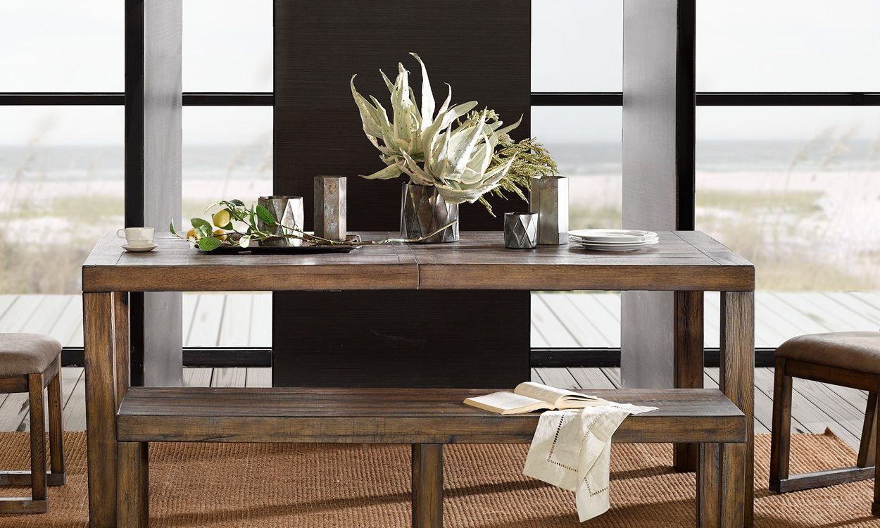 4 Quick Steps To Decorate Your Dining Room Table