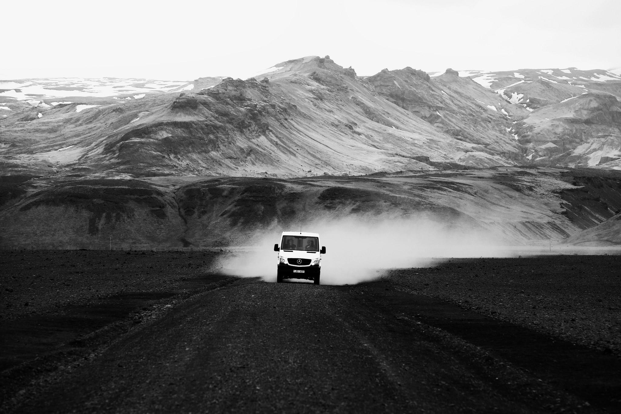 冰島的五月|春末初夏自助旅行--參團,超過4-5 就算是機率偏高了. 當然, Greater Reykjavik,自駕全攻略 | Guide to Iceland