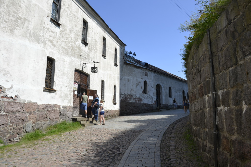 Road to the tower