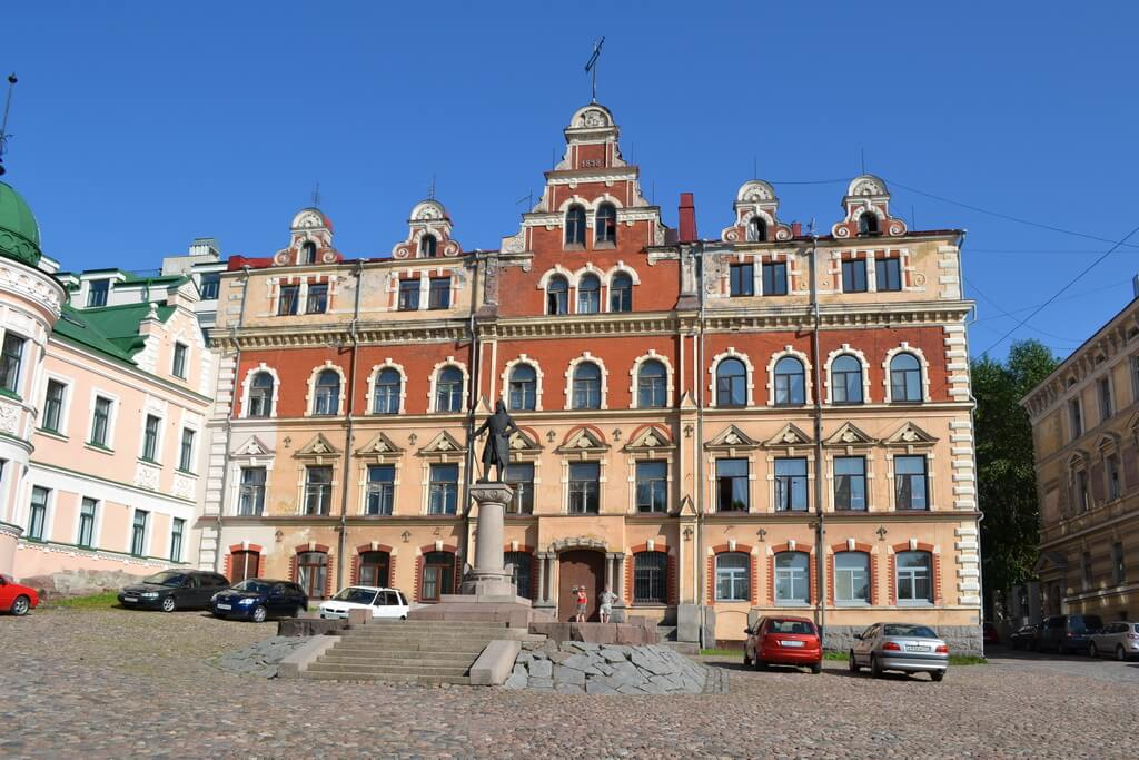 A monument to the Vyborg founder's Torgils Knutsson