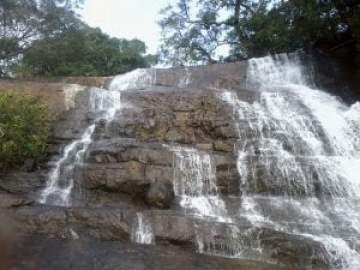 Suruli waterfalls
