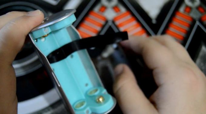reuleaux battery compartment