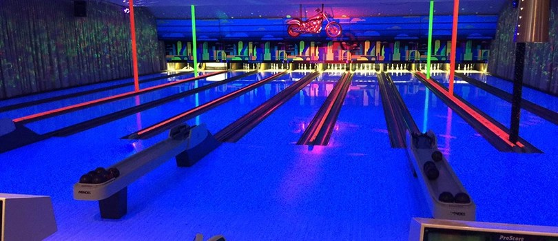 Roxy Lanes Bowling Alley Bowl and Vape Night