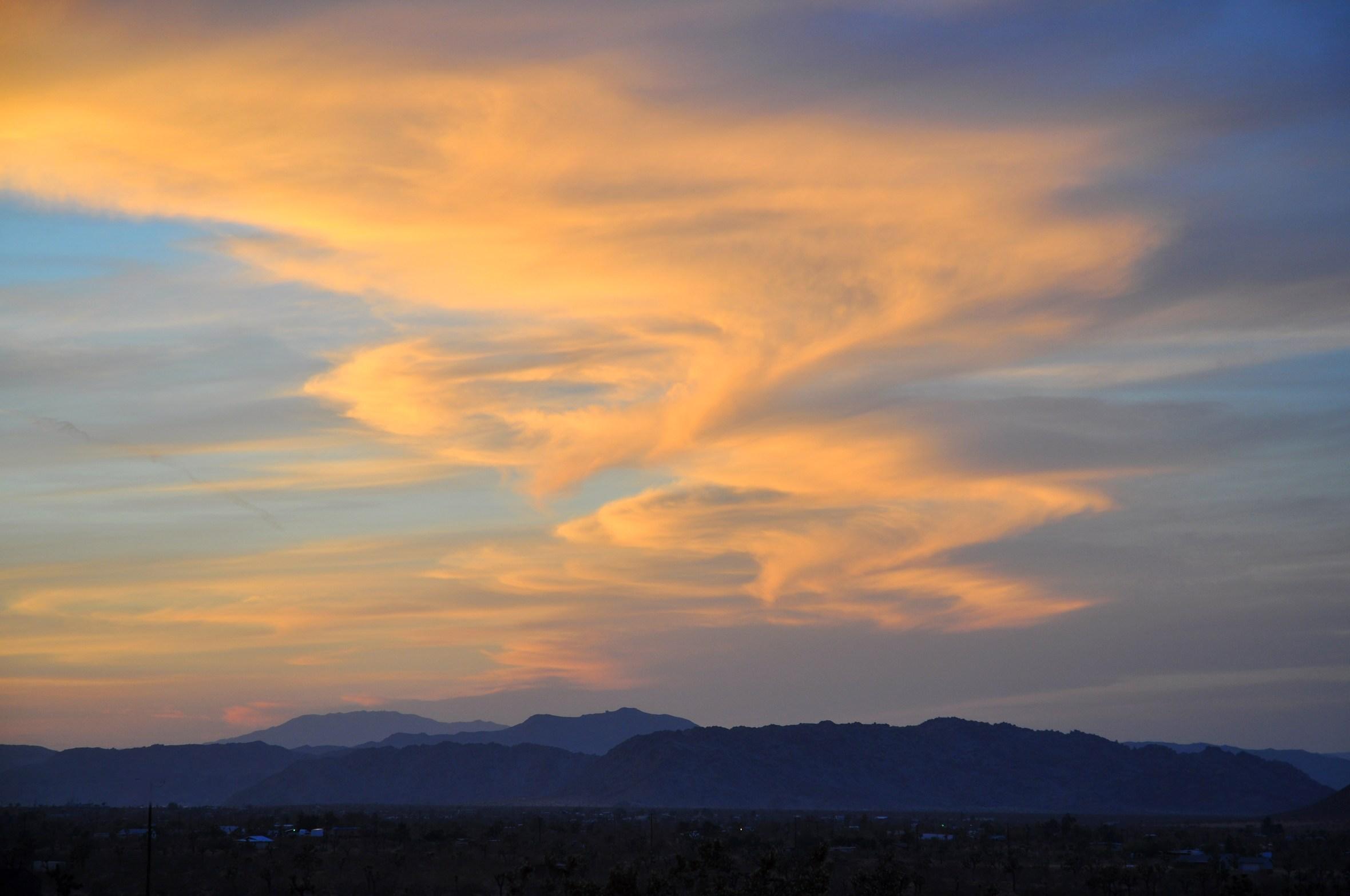 whirpool_clouds