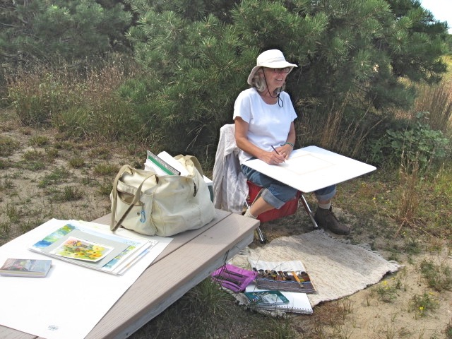 Guild member, Lydia Bell, painting en plein air. ©The Guild of Harwich Artists