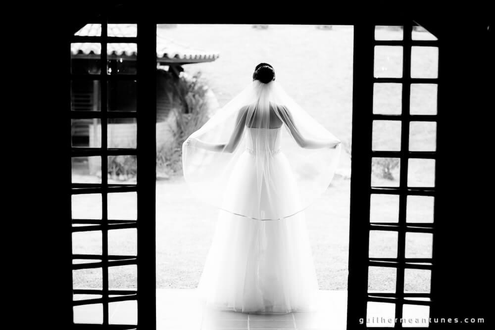 Fernanda e Charles: Fotografia de casamento em Lages (Na porta)