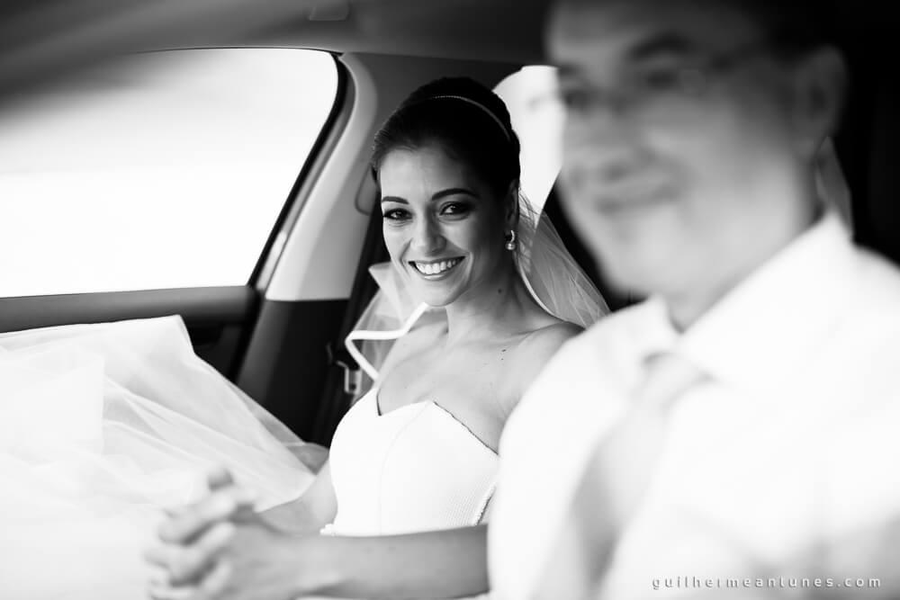 Fernanda e Charles: Fotografia de casamento em Lages (No carro)