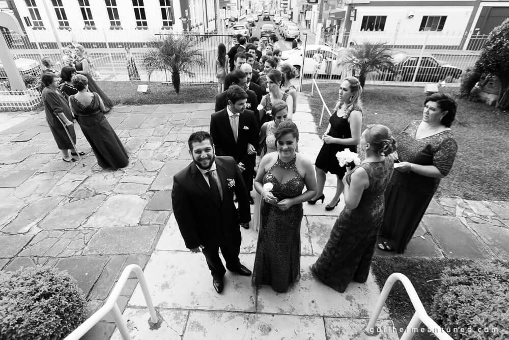 Fernanda e Charles: Fotografia de casamento em Lages (A fila)