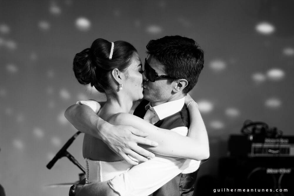 Fernanda e Charles: Fotografia de casamento em Lages (Beijos e festa e beijos)