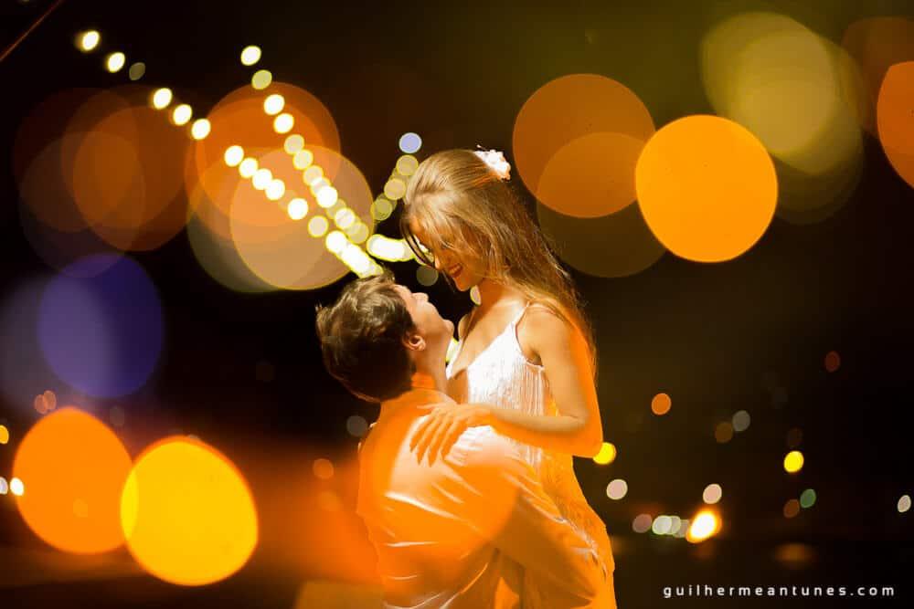 Aletheia e Kleverson: Ensaio pré-wedding (Festival de luzes)
