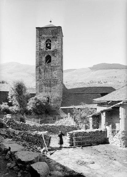 Negativo b/n  (16b) Número: G-43018  Anño: 1960 Durro (Lleida), Vall de Boí. © Fundació Institut Amatller d'Art Hispànic. Arxiu Mas