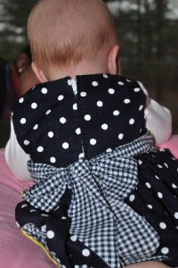 My first zipper dress... complete with bow!  Look at that hair...