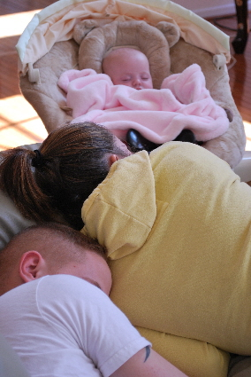 THREE SLEEPY HEADS, AND A VERY HAPPY NANA TO SEE THEM TOGETHER!