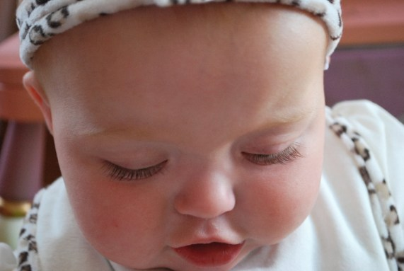 Look at these lashes... who knows if Nikon doesn't call, maybe MAYBELLINE OR LOREAL NEEDS AN EYE LASH MODEL!
