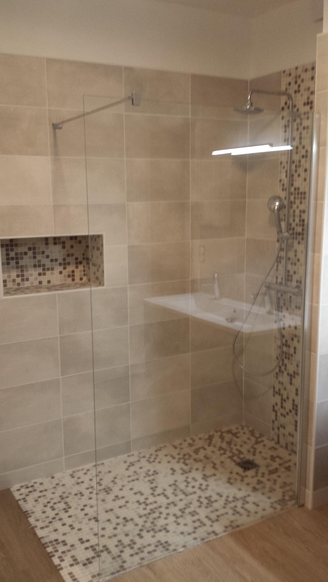 Rnovation dune salle de bain  Guillot P2A
