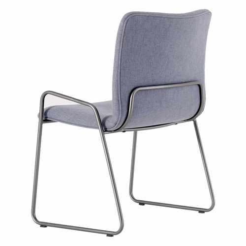 cadeira Urban estofada e pés em aço