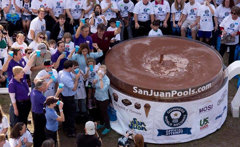 Largest cup of hot chocolate tcm25 480698 - O chocolate mais caro do mundo! E outras curiosidades