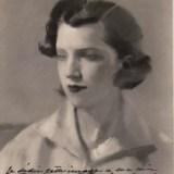 IV. Photo du portrait de Jeanne-Marguérite Fournials, avec dédicace écrite à la main