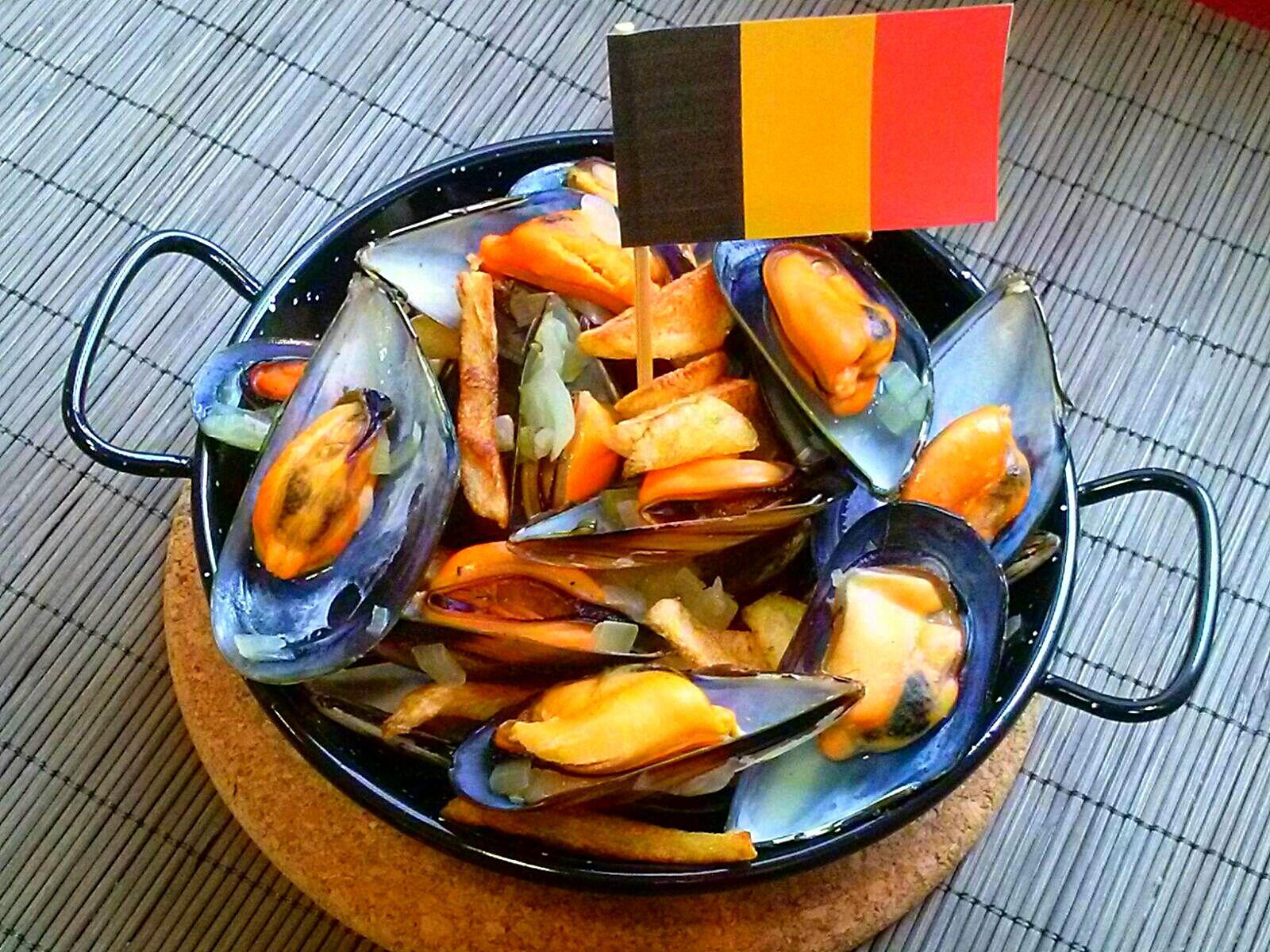 Mejillones belgas, Bélgica. [Cena de Navidad Worldwide]