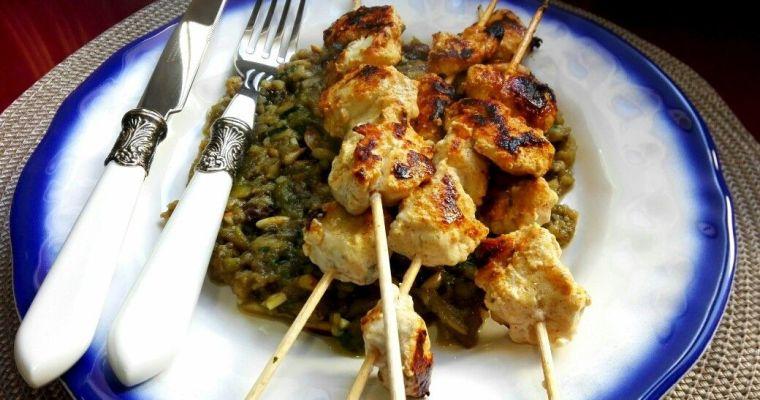 Pollo Tandoori acompañado de puré de berenjenas