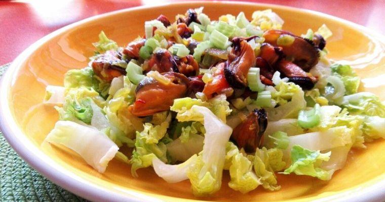 Mejillones en ensalada. [Rica en vitaminas]