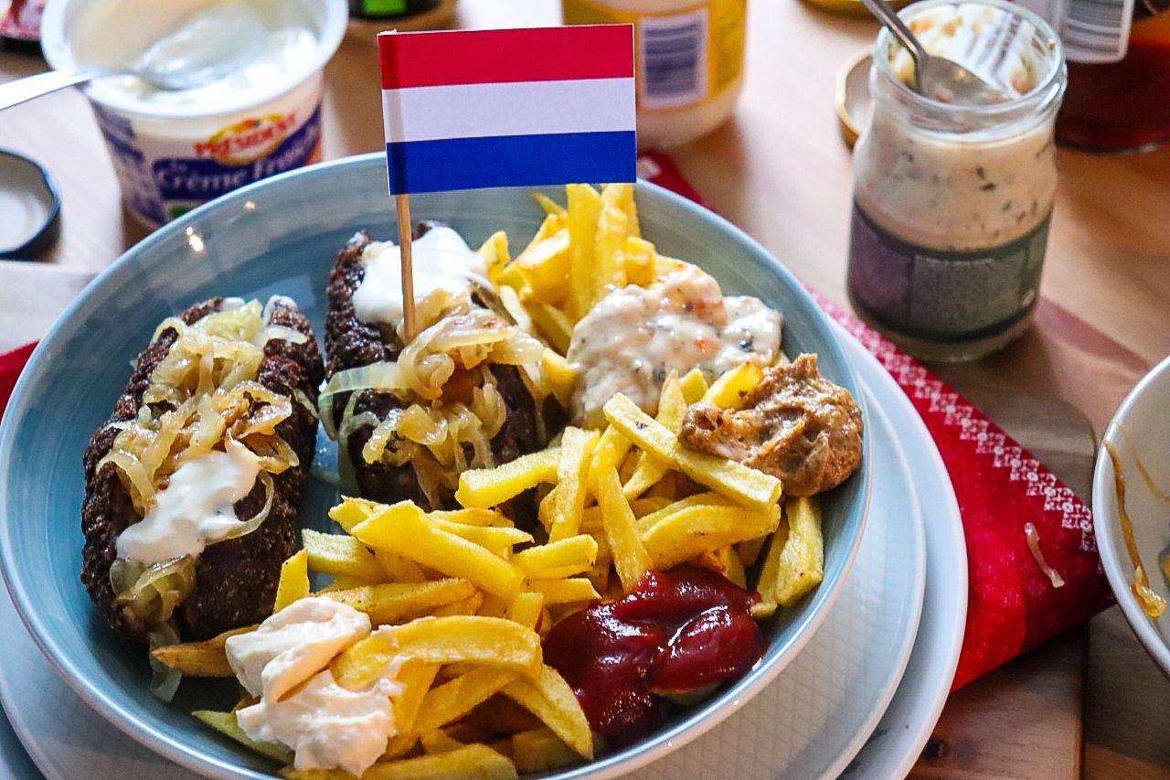 Frikandel, salchicha de Holanda. [Navidad Worldwide]