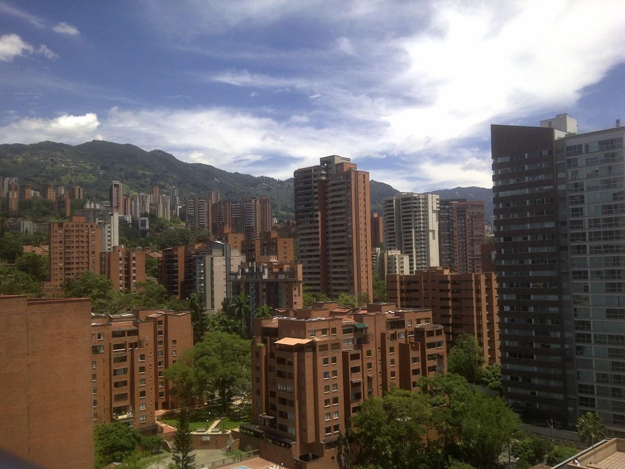 Medellín, una ciudad roja