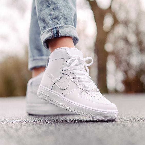 Tênis branco