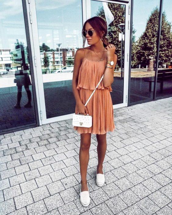 Jaqueline, vestido plissado laranja