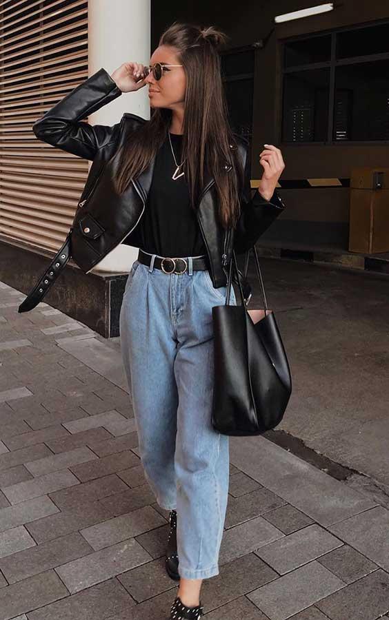 slouchy jeans, jaqueta de couro e blusa preta