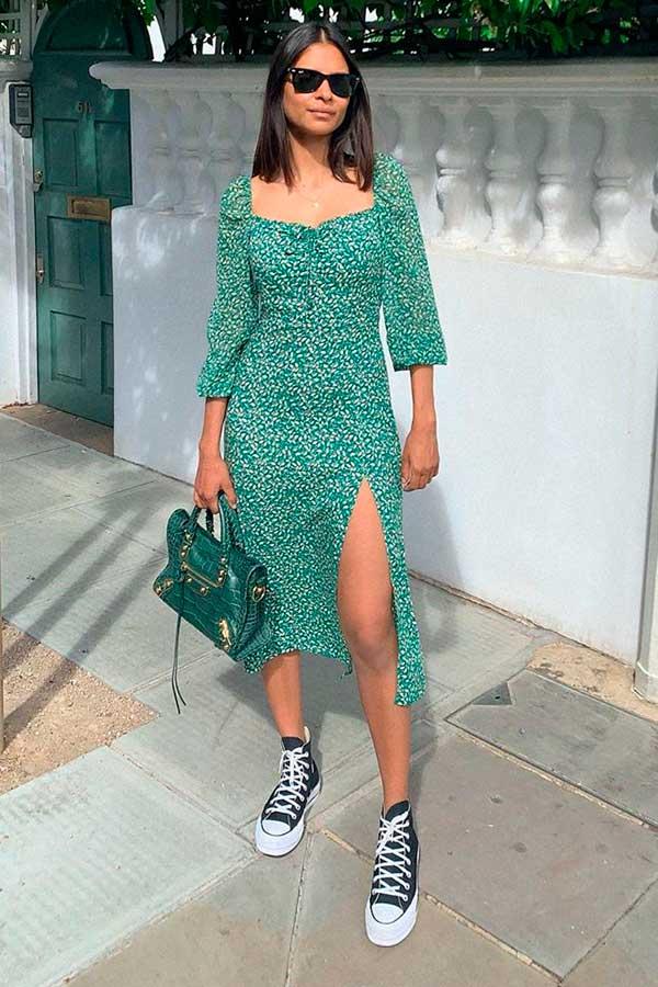 vestido midi verde, tênis all star plataforma