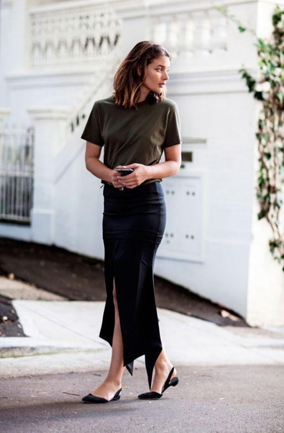 combinacoes minimalistas, t-shirt preta e saia midi