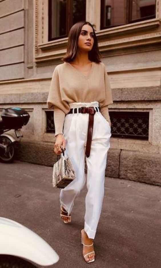 combinacoes minimalistas, blusa bege e calça branca