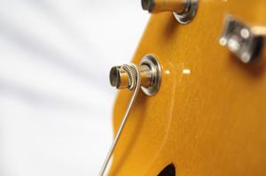 ギター博士が巻いた6弦