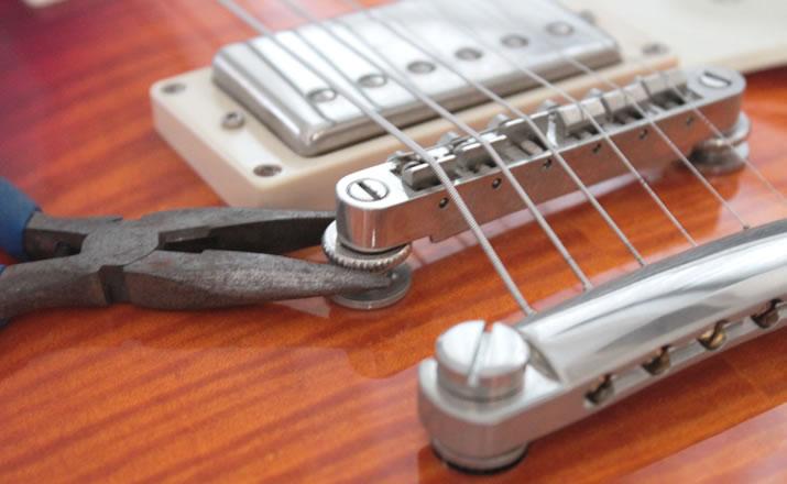 レスポールの弦高調節