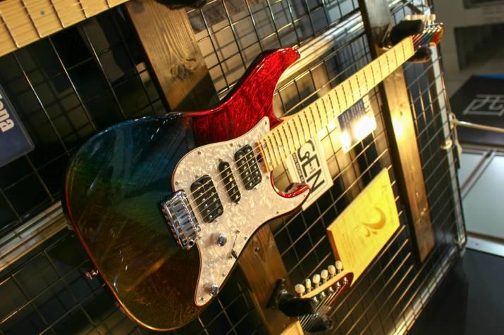 T's GUITARSギター3